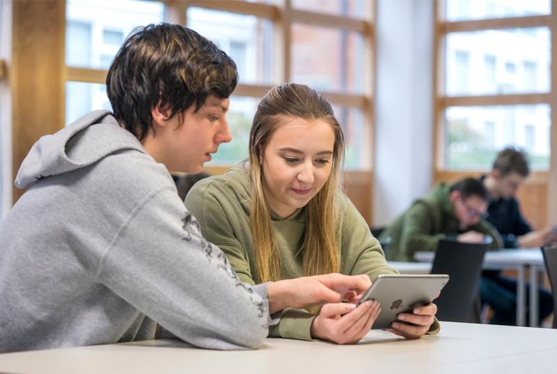 4 Everyone Can Code EU students swift-programming