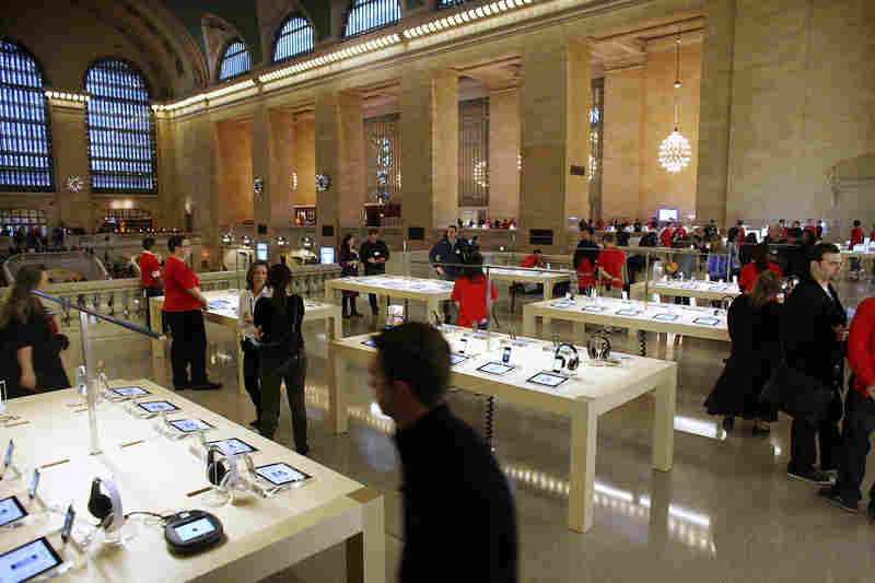 1Extra grandcentral stattion Apple Store light fixture