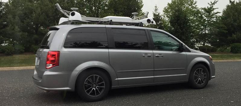 1af Apple-Van-collecting-Maps-data-798x350