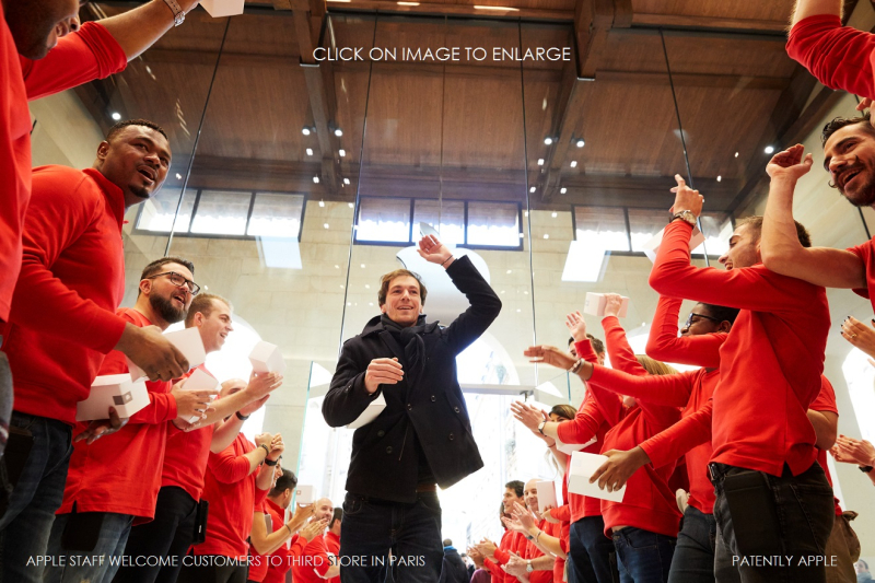 2A X APPLE STAFF WELCOMES CUSTOMERS TO NEW PARIS STORE - Copy