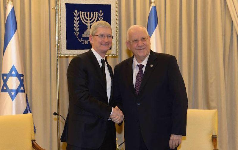 2AF 2 Tim Cook with Israel's president
