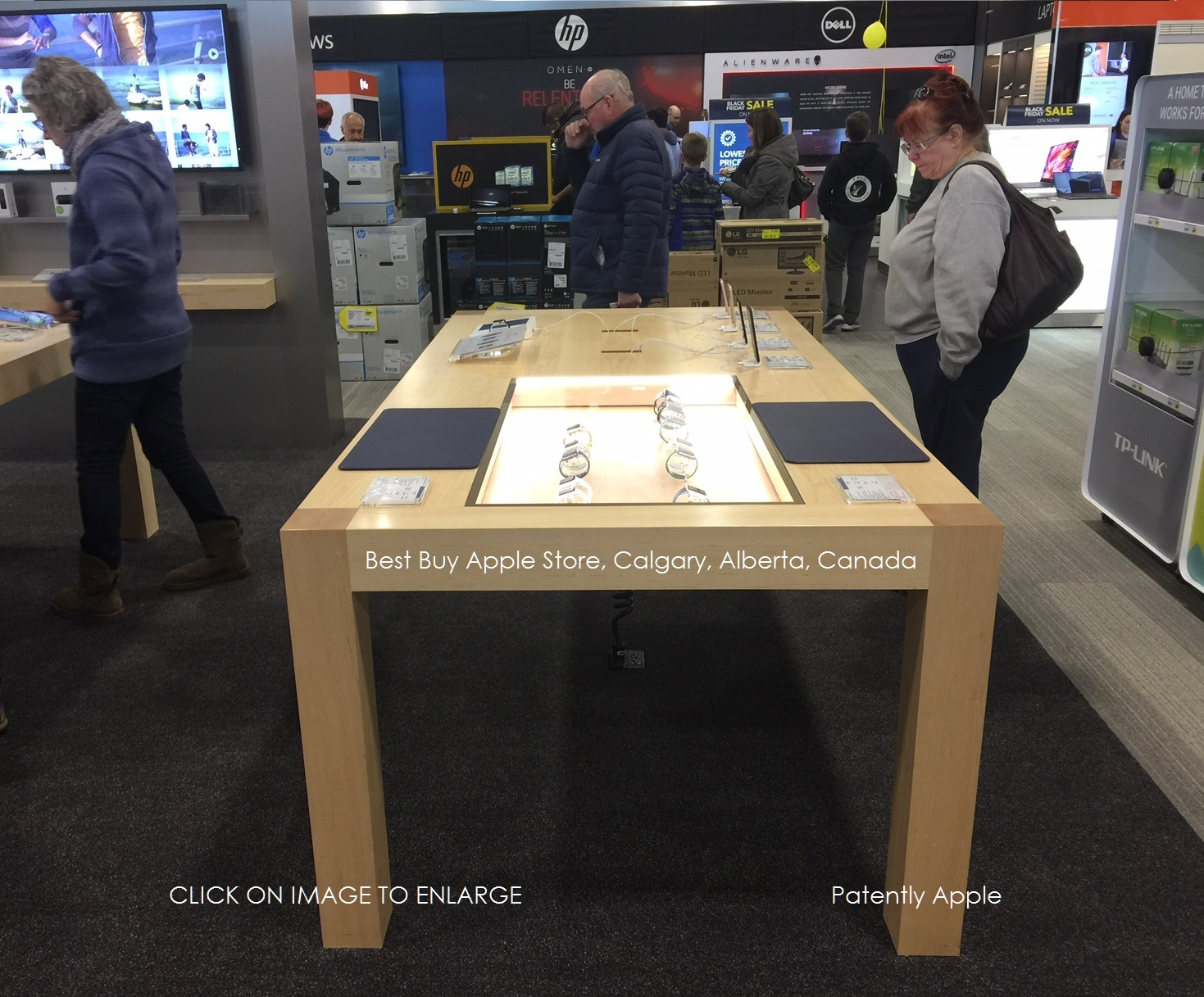 3A 9999 X APPLE STORE IN BEST BUY NEW HYBRID TABLE FOR IPHONES AND APPLE  WATCH