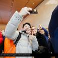 1 cover Seoul_Garosugil_Angela-Ahrendts-selfie