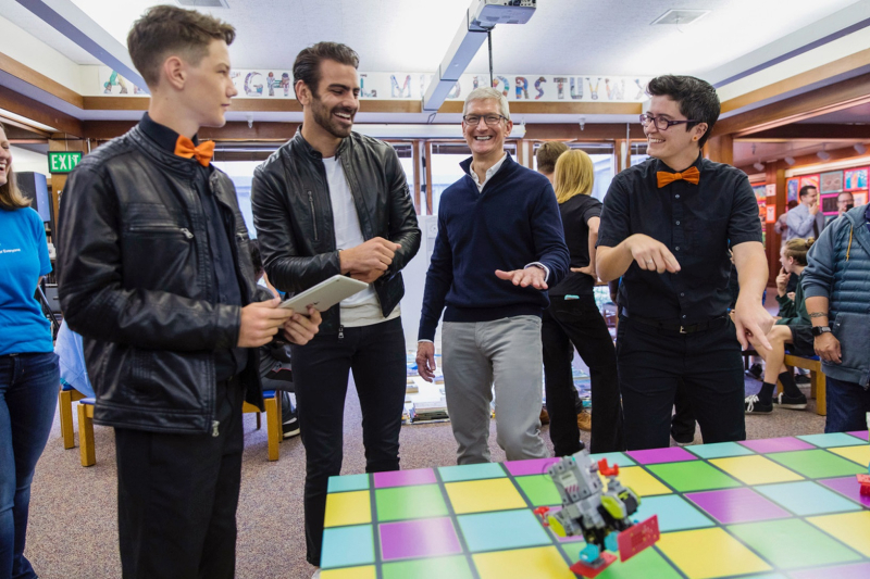 X Tim Cook and Nyle Dimarco react to Swift Playgrounds robot