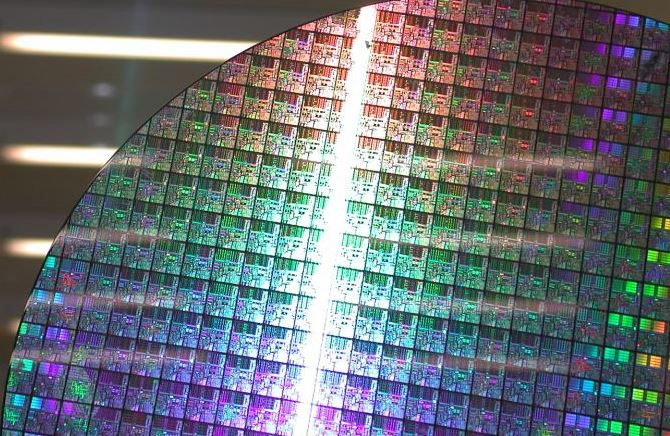 4  - 10 nm Intel