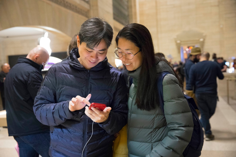 2 iPhone-XR-Launch-Grand-Central-NYC