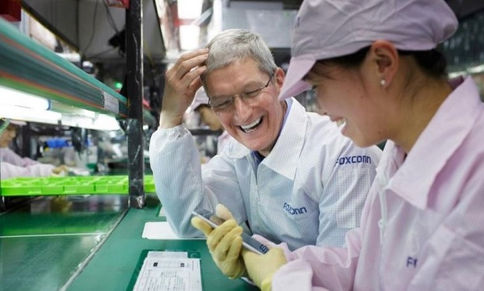 1 X cover tim cook at foxconn iphone assembler