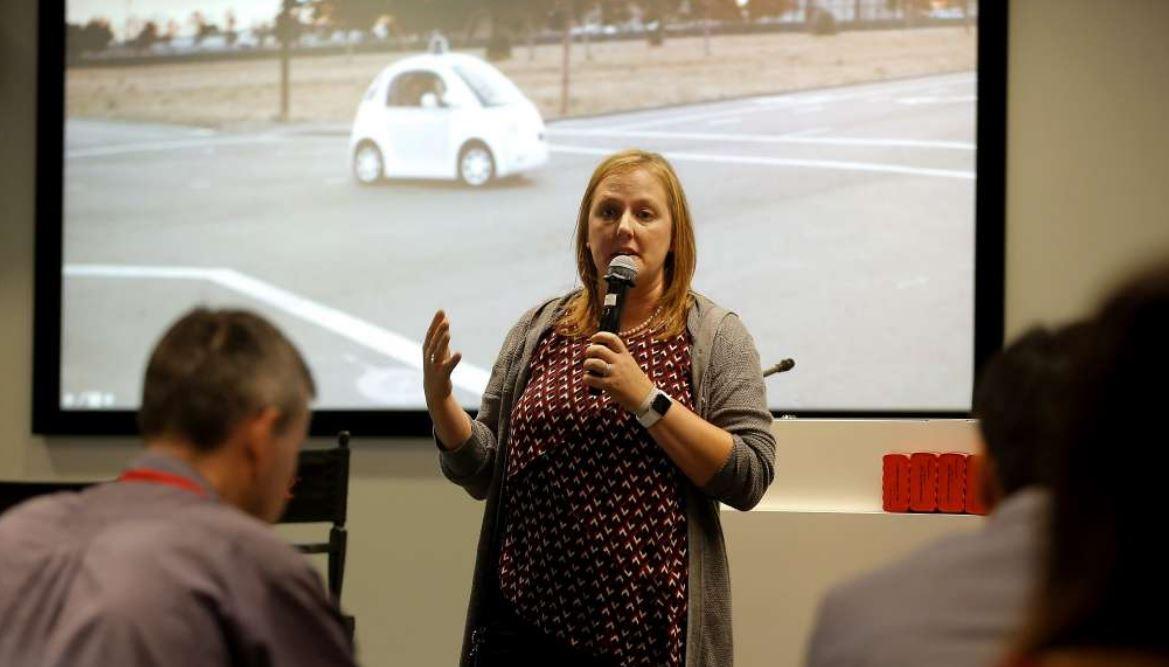 Apple Hires Senior Ex-NASA and Waymo Engineer for their