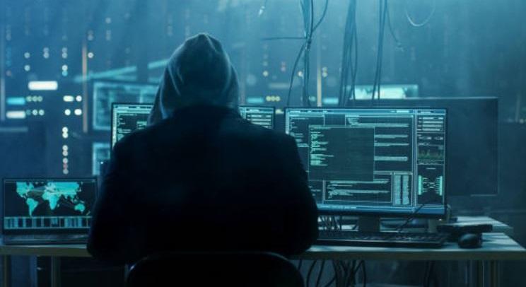 1 x hacker on Apple computers and customer accounts
