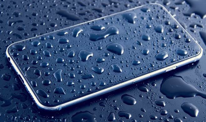 3 WET IPHONE