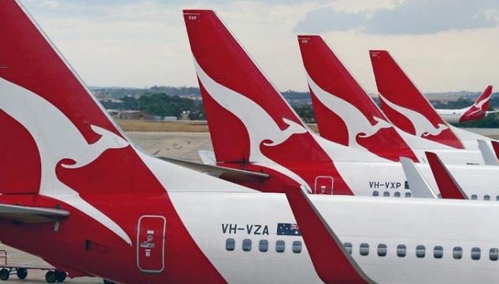 1 x Cover  Qantas Airways