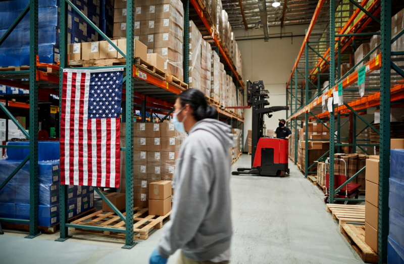 2Bx apple_advanced-manufacturing-fund-copan-covid-19_shipping-facility_02222021