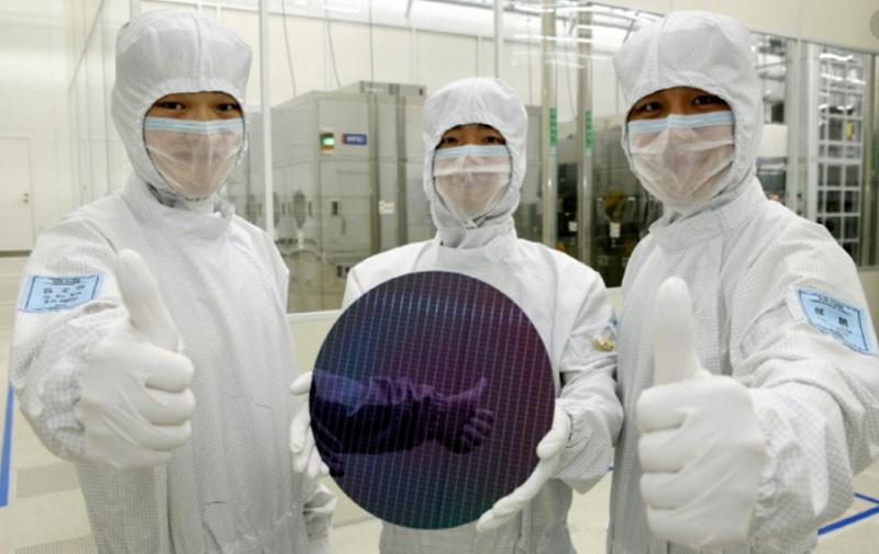 1 x Samsung chip plant image