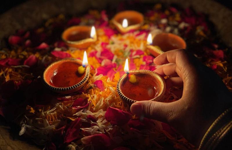 3 full blown photo for Diwali