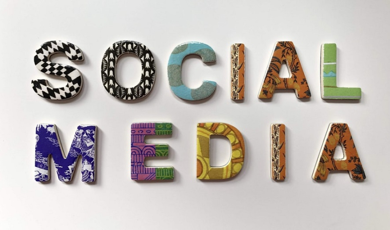 1 X cover SOCIAL MEDIA