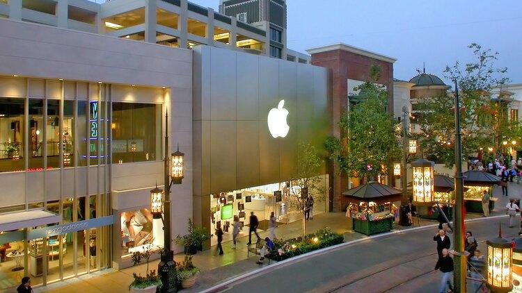 1 cover The Grove Apple Store  California